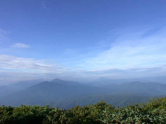 至仏山や燧ヶ岳も見える最高の展望だ。