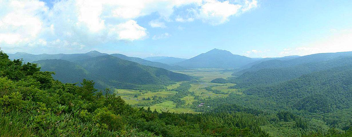 登山道中腹より尾瀬ヶ原方面を望む。